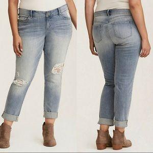 Torrid Distressed Boyfriend Jeans Plus sz 26R